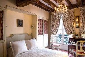 Hotel Caron de Beaumarchais Paris