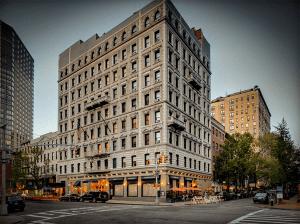 Hotel Wales NYC